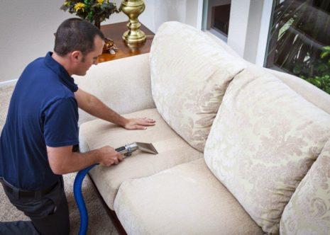 تنظيف الكنب مع التعقيم بالبخار في الحومة بالشارقة (تنظيف علقات بالبخار فى الحومة)  0555514982