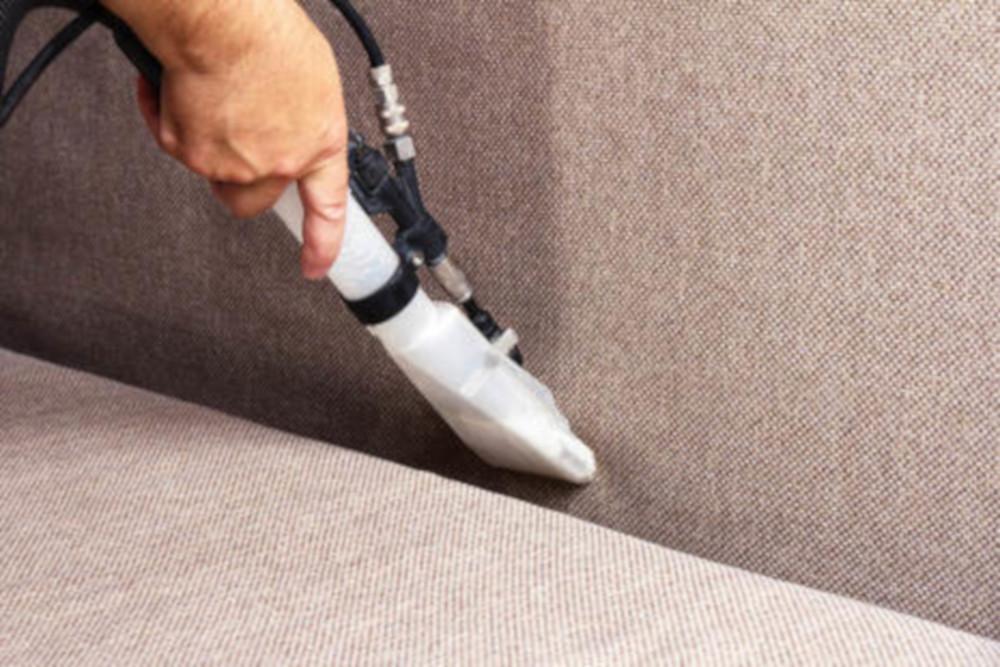 تعرف على افضل طرق تنظيف مفروشات المنزل والمكتب
